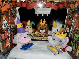 Restoration Hardware Royal Hand Puppet Theater 5 Puppets Sta